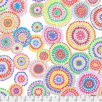 Kaffe Fassett PWGP-176 Mosaic Circles White